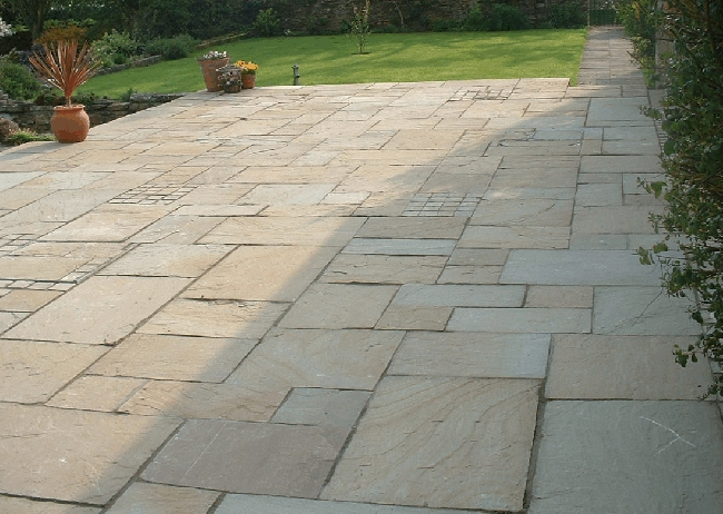 Natural stone paving raj green roceco ecological for Green pavers