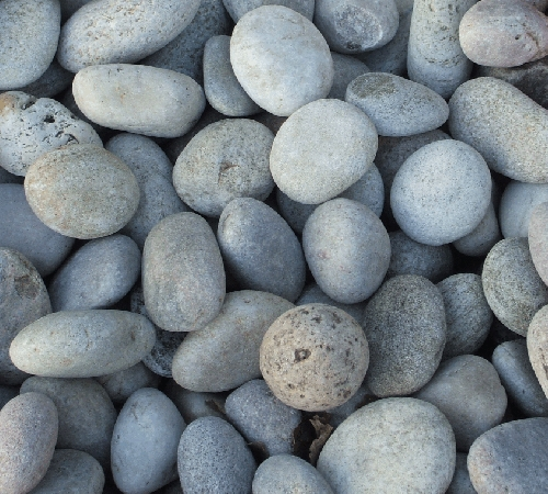 Bulk Bag of River Stone Cobbles (30-50mm)