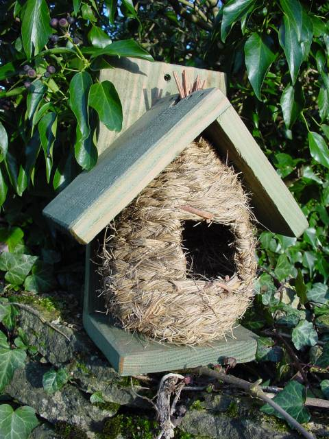 CHALET NEST/POP-IN FEEDER