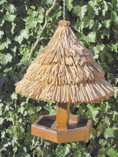 TRADITIONAL THATCH/OAK HANGING BIRD TABLE