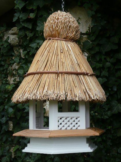 THATCHED GOTHIC BIRD TABLE WITH BRACKET & HANGING CHAIN