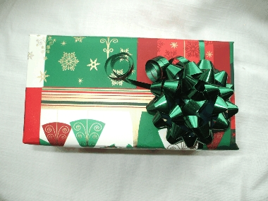 Gift Wrap - Traditional