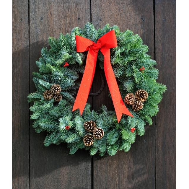 Natural Red Decorated Wreath 10in