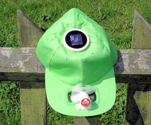 Solar cool cap with round cell (green)