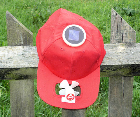 Solar cool cap with round cell (red)